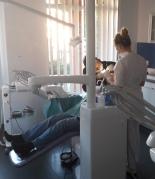 dentiste en hongrie et aux pays bas. Black Bedroom Furniture Sets. Home Design Ideas